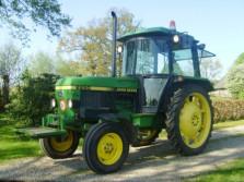 JOHN DEERE 2250 tractor (62 pk, 5348 draaiuren, cabine, h/l)