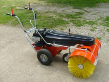 Nieuwe LIMPAR 84 PRO veegmachine