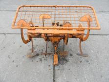 VALPADANA spitmachine voor aan een tweewielige tractor (werkbreedte 100 cm.)